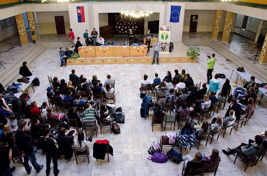 InformácieV Dubnici žiaci počas prázdnin debatovali o minimálnej mzde