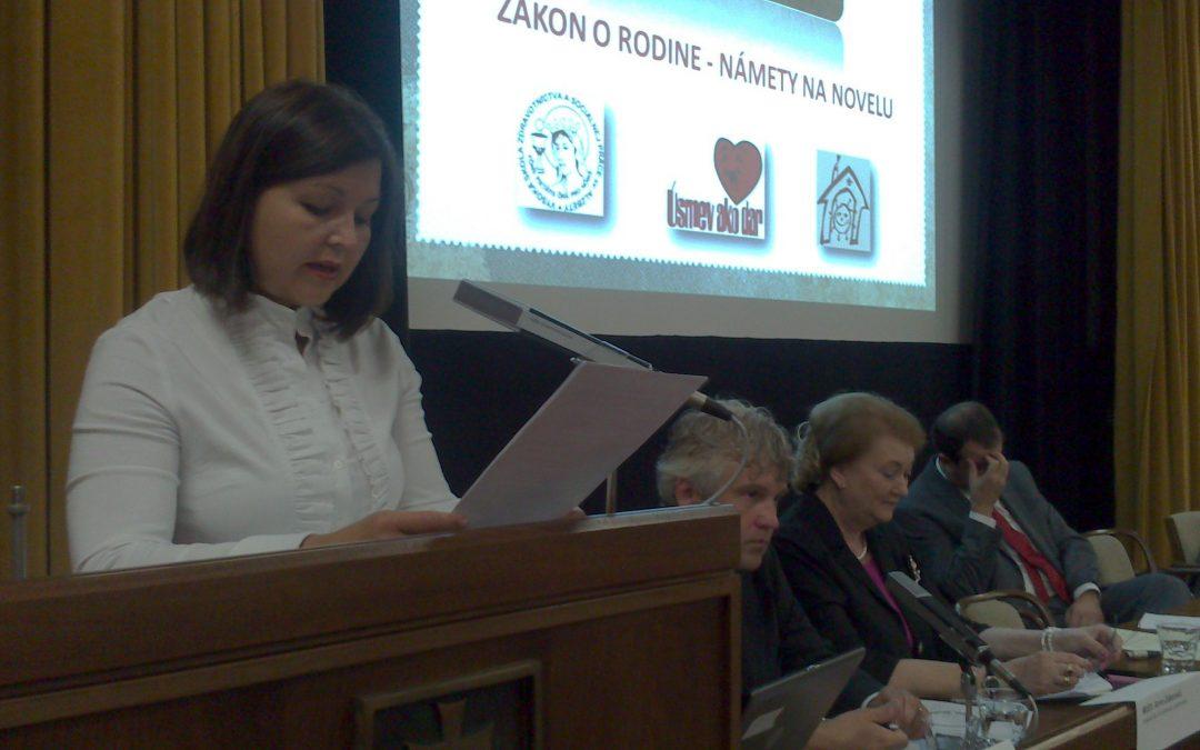 InformácieÚsmev ako dar prináša podnety k novele zákona o rodine