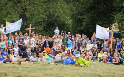Viac ako stovka mladých ľudí začala tradičnú púť na Mariánsku Horu