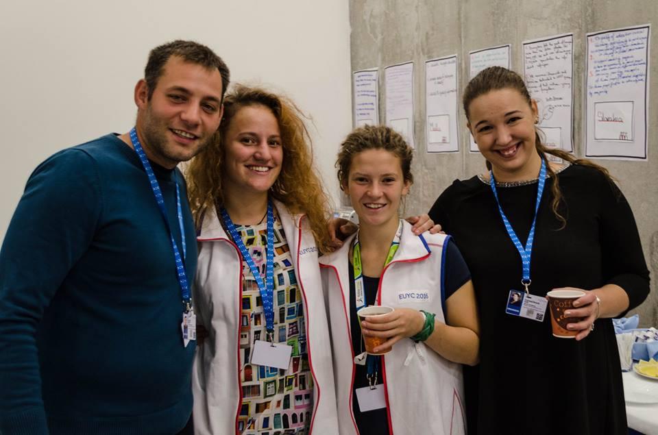 PonukyHľadáme mládežníckych ambasádorov Slovenskej republiky